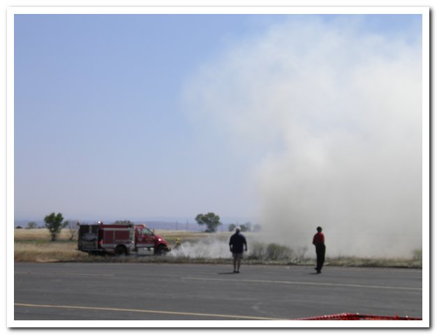 You are browsing images from the article: Grass fire at the field (100OLYMP_002.jpg)
