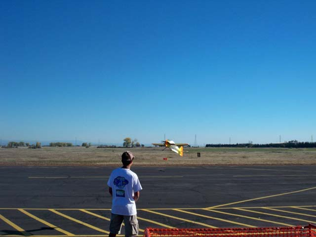 You are browsing images from the article: Thanksgiving Food Drive Fun-Fly 2012 (100_2674.jpg)