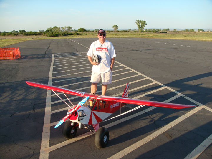 You are browsing images from the article: Merwin Ranch Memorial Fun Fly April 2015  (Dave_and_Big_Cub.jpg)